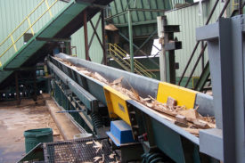 Chipper In-Feed Conveyor with Metal Detector for Sawmill